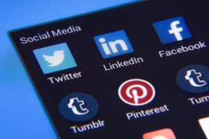 how to promote a new blog social media